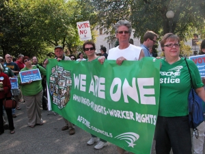 "Members of AFSCME Council 5 join the ""Vote No"" rally in Rice Park."