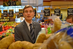 Jason Metsa shops for groceries on a minimum-wage budget.