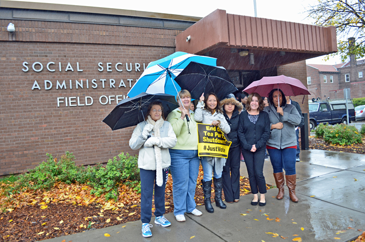 Great Social Security Administration Workers Brave The Rain To Join A  Demonstration Against The Government Shutdown Outside