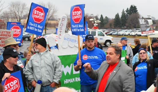 St. Paul Regional Labor Federation President Bobby Kasper speaks at the Stop Staples rally in Roseville.