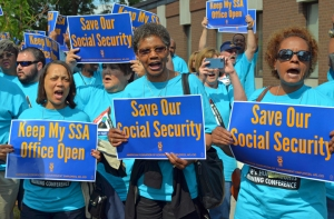 About 200 AFGE members joined the rally outside the Minneapolis Social Security field office.