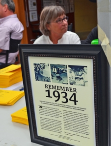 Linda Leighton, a descendent of one of the leaders of the 1934 Teamsters strike, is enlisted support for a historic monument in Minneapolis at the Minnesota State Fair last year.