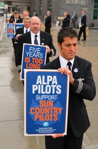 ALPA members stage informational picketing outside Terminal 2 at MSP.
