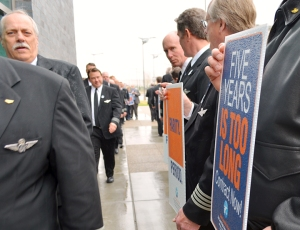 Sun County pilots staged informational picketing last month at MSP's Terminal 2.
