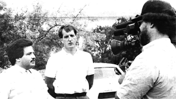 Harry Melander, second from left, shown in a Union Advocate file photo from 1988, when he was president of Carpenters Local 87. Melander and Al Garcia of Centro Cultural Chicano spoke at a press conference deploring conditions at a construction site in Bloomington that employed migrant workers.