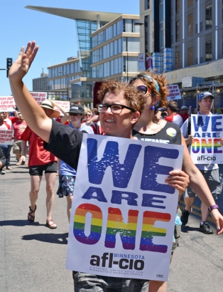 web.PrideParade-2