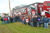 Teamsters and their supporters outside Finish LIne Express.